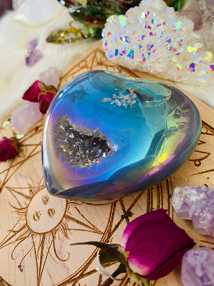 Aura Crystal Heart with Druzy