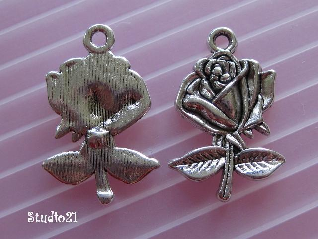 10 pcs of Tibetan Antique Silver Finish Rose Flower Pendant/Charm (PEN-S22)