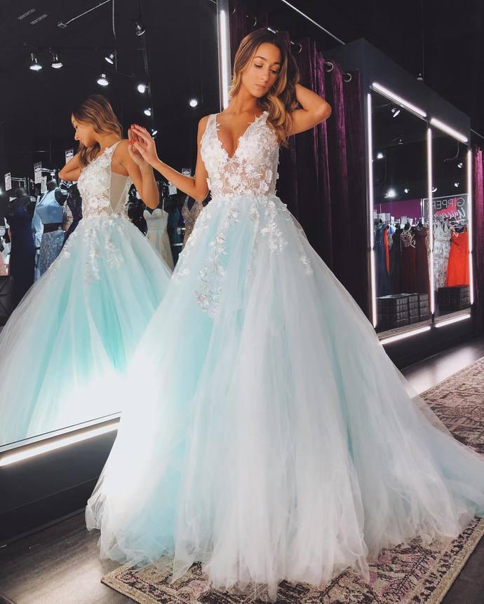 Custom Prom Dress,A-Line Prom Gown,V-Neck Evening Dress,Appliques Prom Gown 041