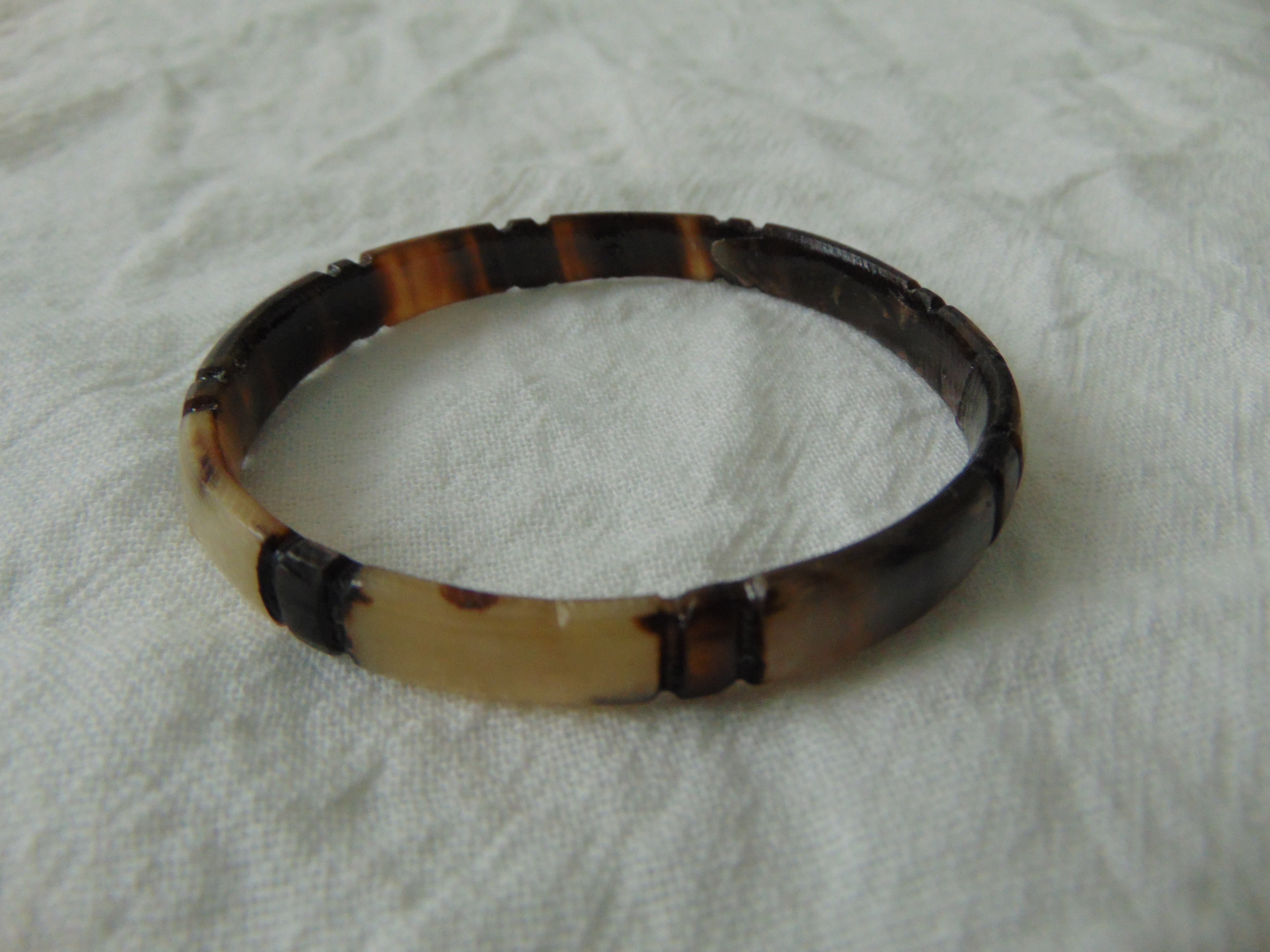 vintage carved horn bangle bracelet beige brown