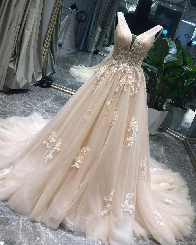 Pretty Prom Dress,A-Line Prom Gown,V-Neck Evening Dress,Appliques Prom Gown 044