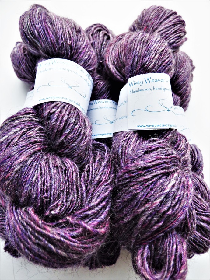 Handspun Yarn – 40/40/20% Alpaca, Merino Wool and Silk – 100 grams – Sport