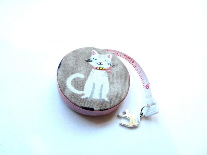 Small Tape Measure Cat in Paris  Retractable Measuring Tape