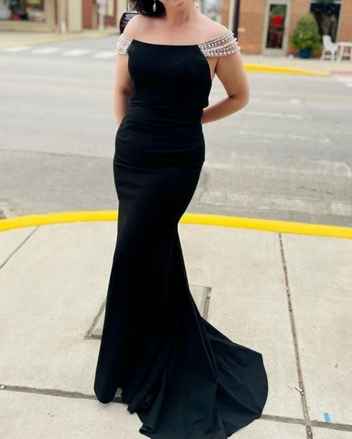 Off the Shoulder Black Satin Mermaid Prom Dress with Beading Sleeves