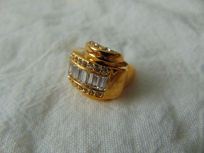 vintage K.J.L signed gold clear crystal baguettes art deco ring sz. 7 mint in