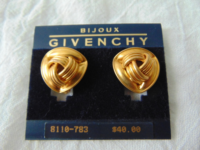 Givenchy signed matte gold ribbed ribbon fold clip on earrings mint nos
