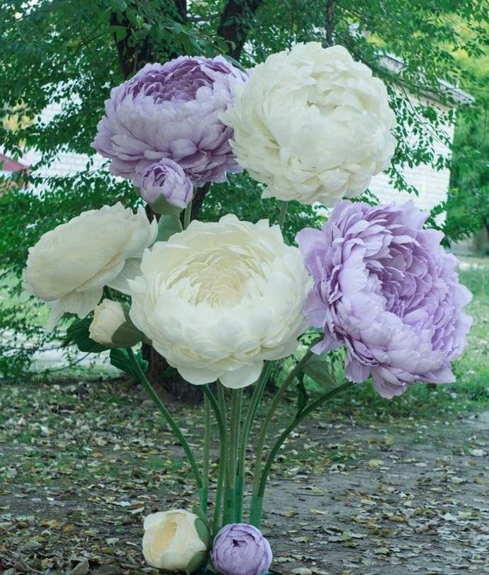 Giant Paper Flower with Stem, Huge Paper Peony Photo Prop, Free Standing Paper