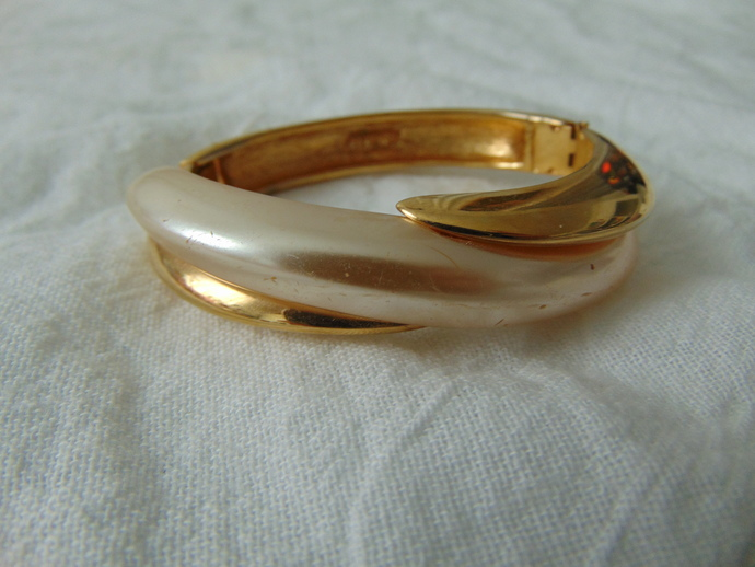 vintage Napier signed gold pearl insert bracelet bangle
