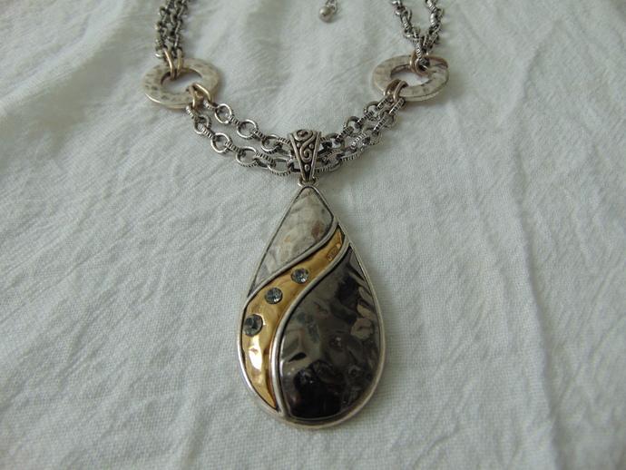 vintage Laura Ashley signed hammered metallic tri tone crystals pendant necklace