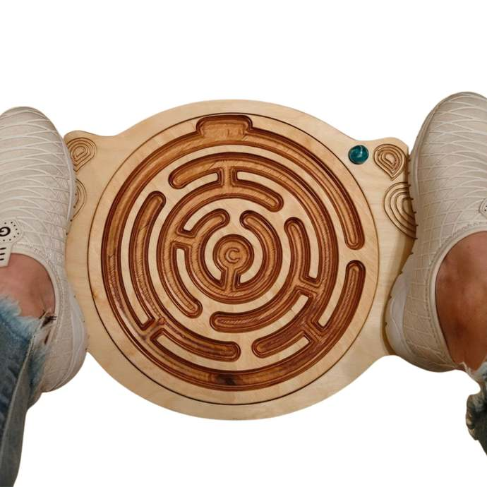 Personalized gifts, made of wood, with your child's name, balance board, curvy