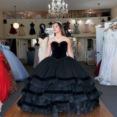 Elegant Sweetheart neck Black Quinceanera Dresses Ball Gown H5473