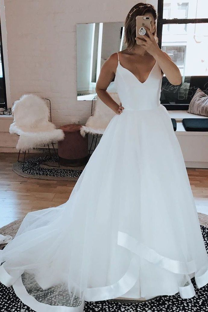 Spaghetti White Tulle Long Wedding Dresses with Sweep Train H5480