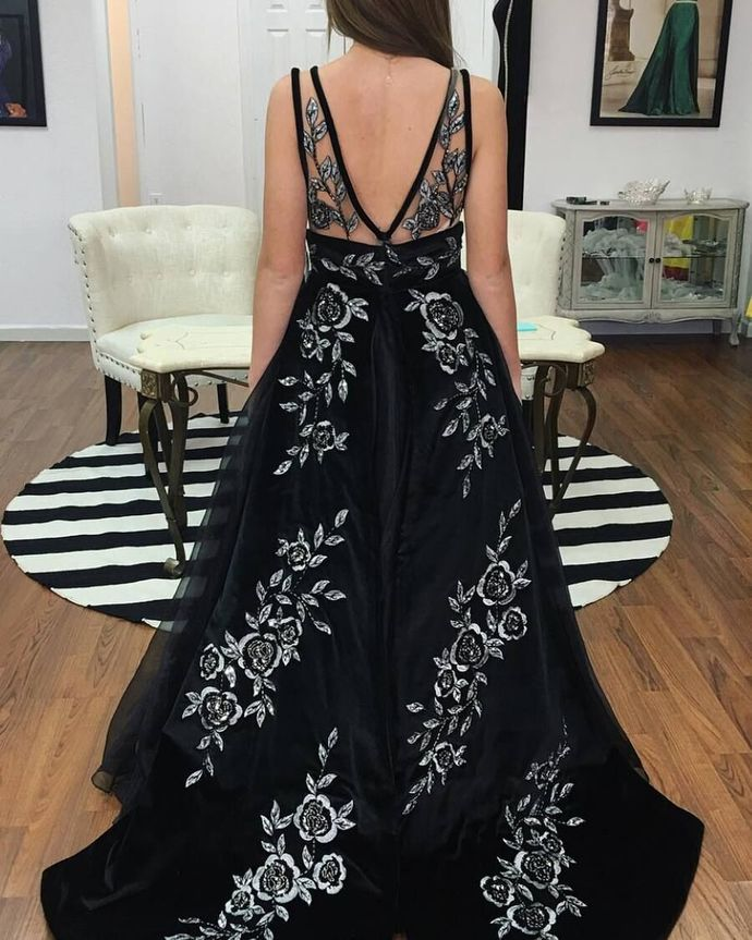 Charming V neck Black Tulle Prom Dresses Appliques Evening Gown H5483
