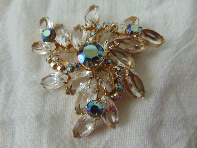 vintage Juliana verified blue aurora borealis clear crystals brooch