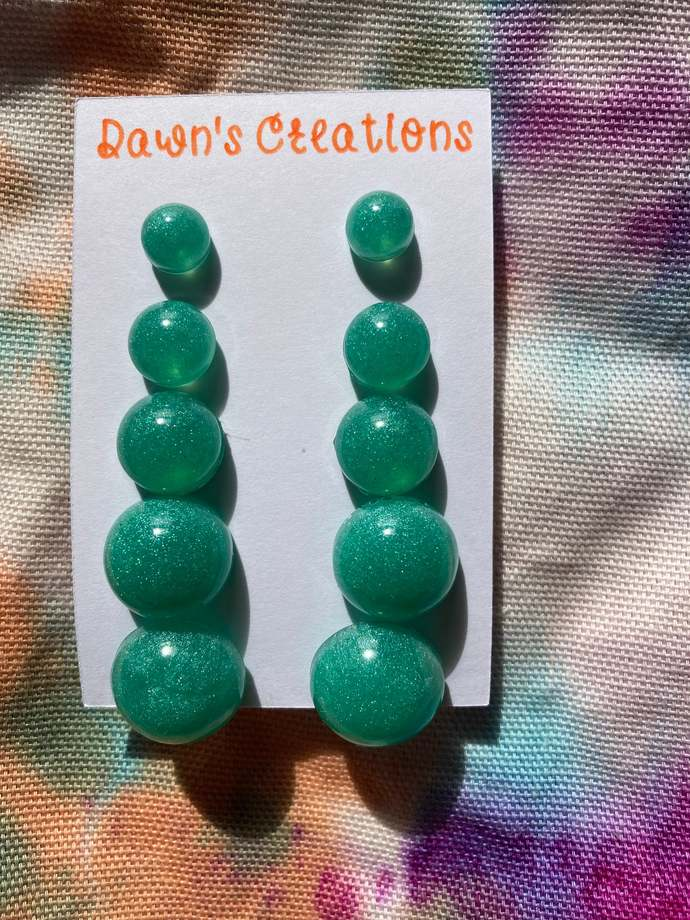 5 pairs resin small stud earrings pearlescent mint green round