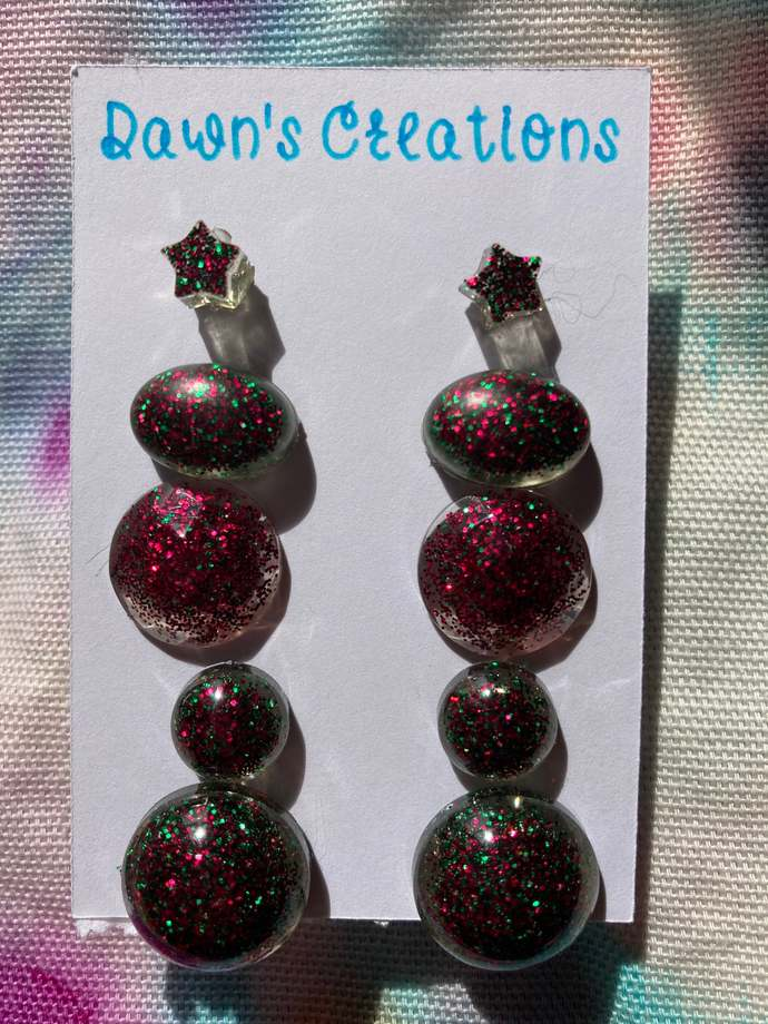 5 pairs resin small stud earrings red and green glitter round oval star beveled
