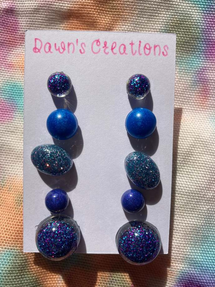 5 pairs resin small stud earrings blue purple glitter pearlescent circle oval