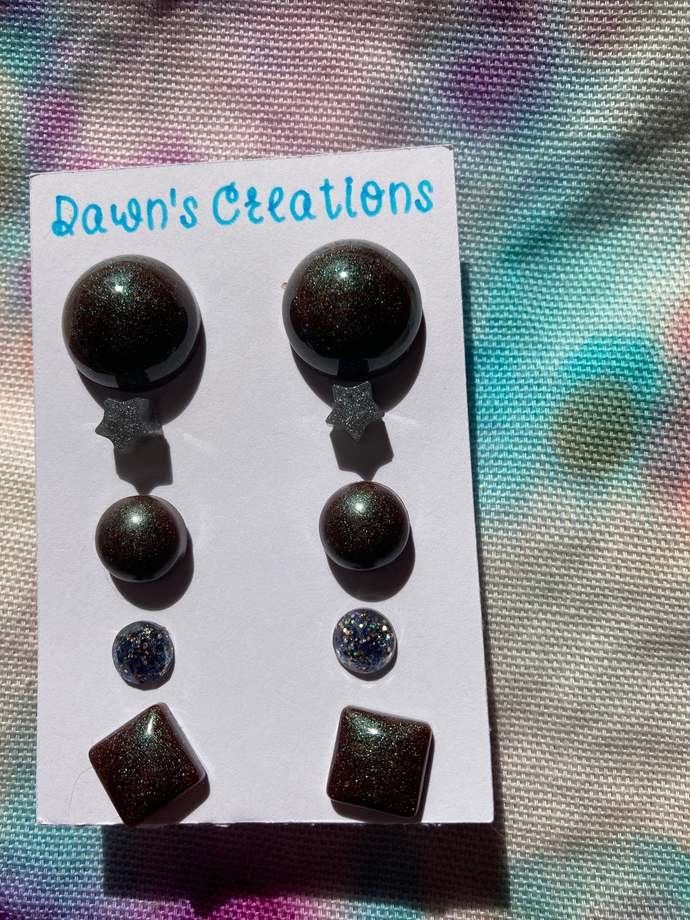 5 pairs resin small stud earrings black grey gold glitter pearlescent circle