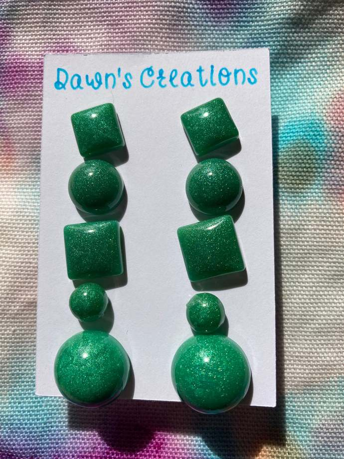 5 pairs resin small stud earrings green pearlescent circle square