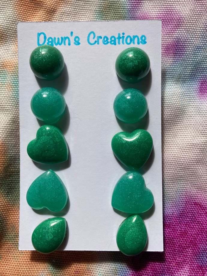 5 pairs resin stud earrings pearlescent green circle heart teardrop