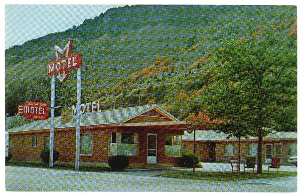 Vintage Idaho Falls Idaho Roadside Postcard Lava Spa Motel and Tumbling Waters