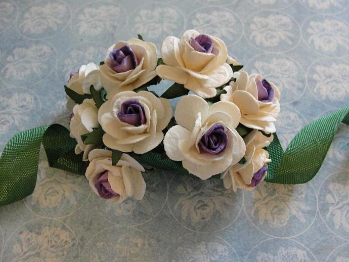 Two Tone Creamy White & Lavender 1-inch Mulberry Paper Roses