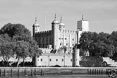 TOWER OF LONDON   bw