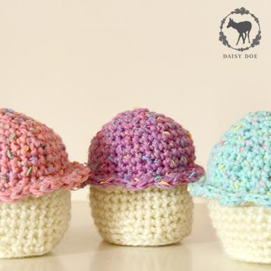 Sweet crochet cupcakes (set of three)