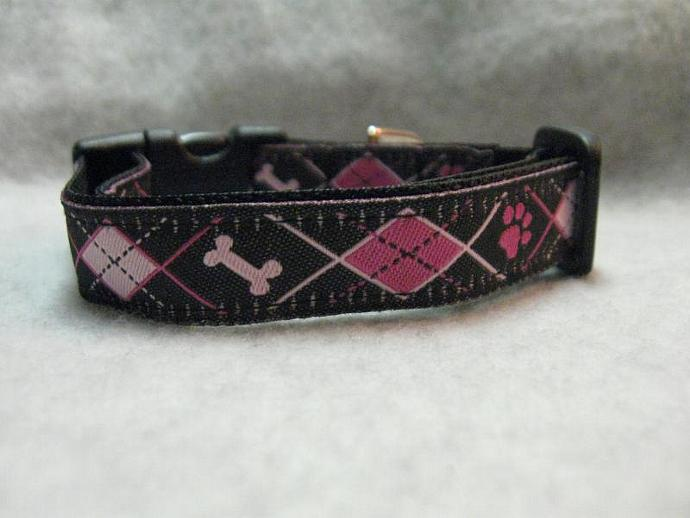 "5/8"" Pretty Preppy Paws Argyle Designer  Collar"