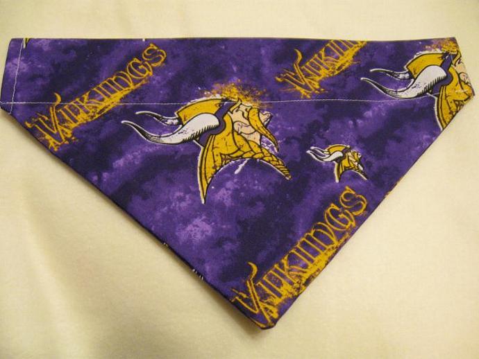 MEDIUM Minnesota Vikings Over the Collar Bandanna Scarf
