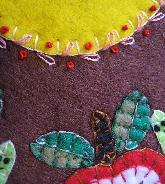 """An Apple A Day"" Worm Candle Mat Penny Rug With Vines and Buds PATTERN"