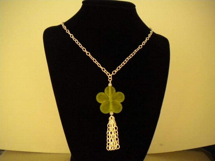 Apple Green Posy Necklace