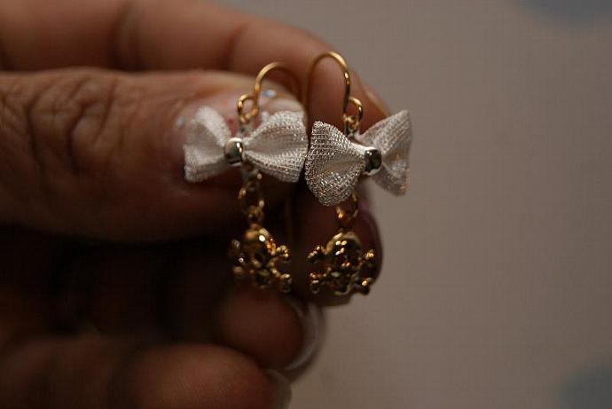 Girlie Skull Earrings - Bow Charm Pendant - Micro Mini