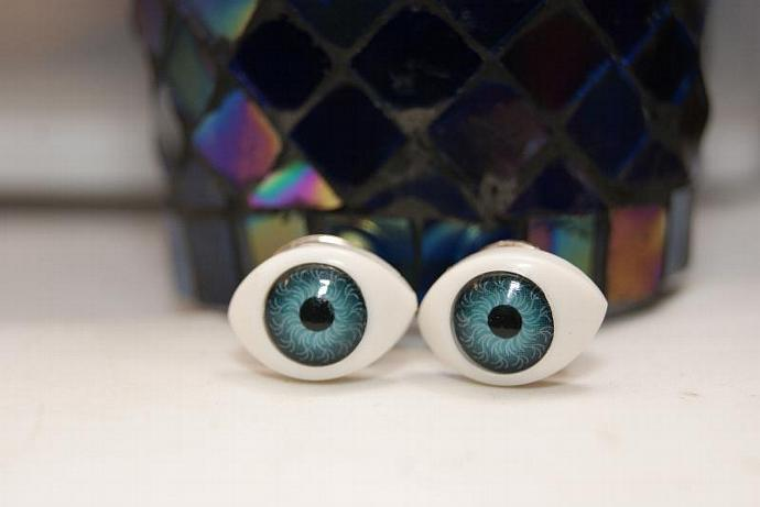 Eye See You - Clutch Pins