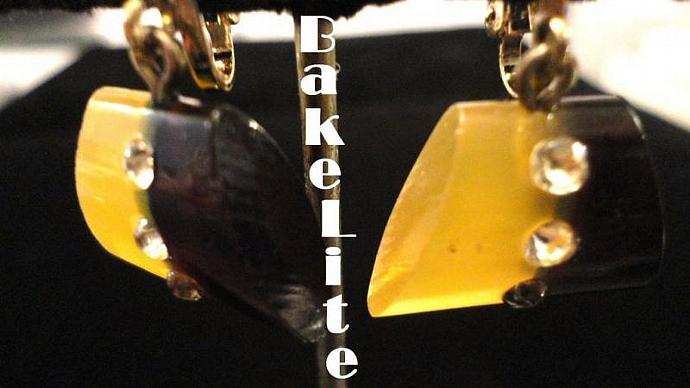 VINTAGE 50s Darling Two Tone Bakelite Dangle clip on Earrings with rhinestones