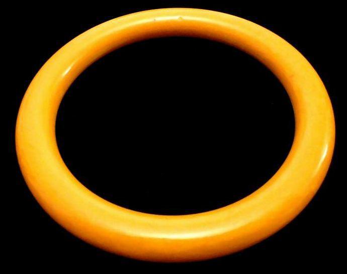 VINTAGE 50s BAKELITE Wide Pumpkin tapered Dome Bangle bracelet