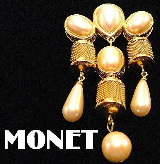 "VINTAGE 60s Signed ""MONET"" Faux Pearl Dangle /pin Brooch with gold tone mesh"