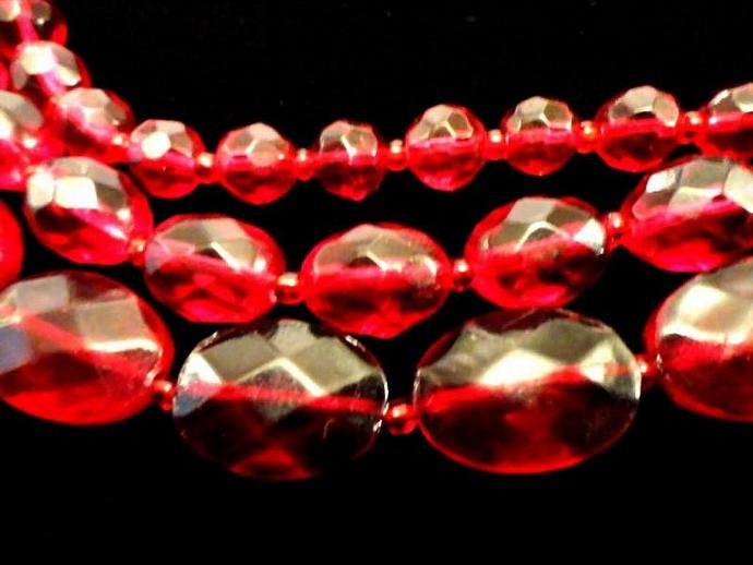 VINTAGE 50s Triple Strand Faceted Ruby Red Glass Bead Necklace