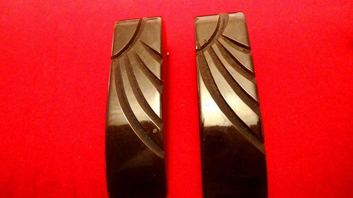 VINTAGE 30s Pair of Art Deco  Milk Chocolate Brown bakelite dress clips brooches