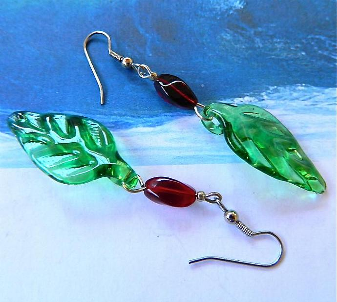 Green   lampwork    leaves   dangle  earrings
