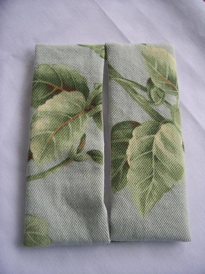 Tissue Holder Leaves of Green