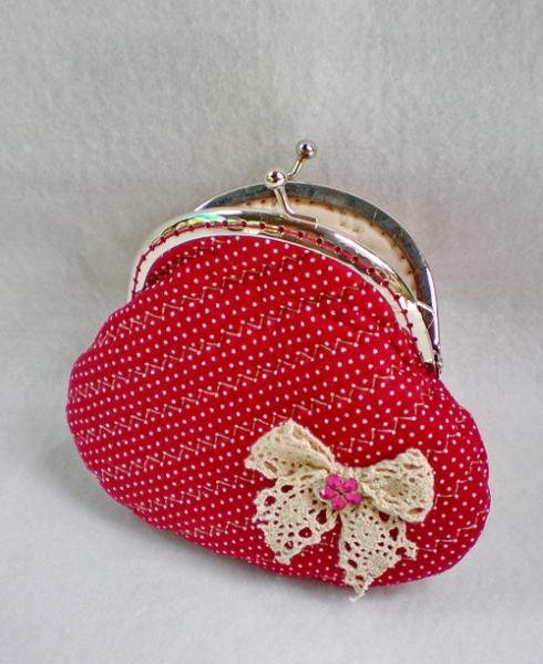 Lovely Bow And Quilted Red Purse