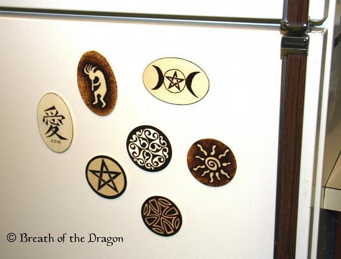 Kanji LOVE oval magnet