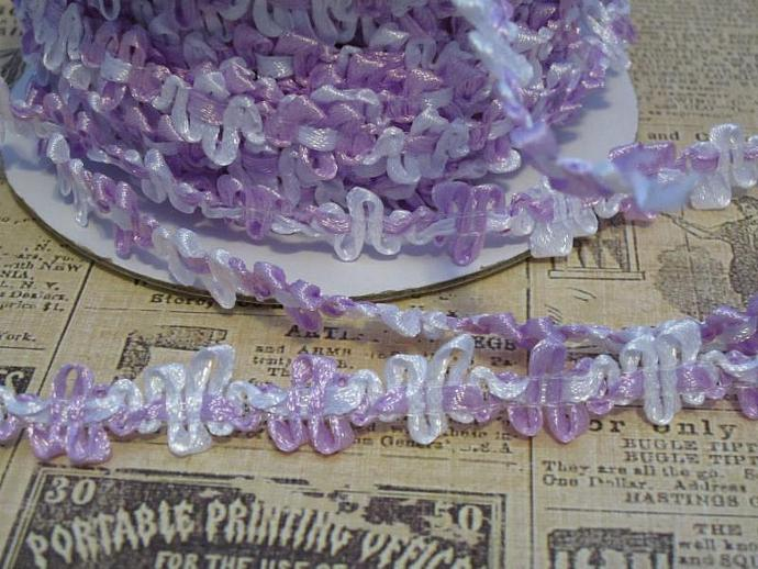 1yd - Lavender/White Satin Floral Trim.
