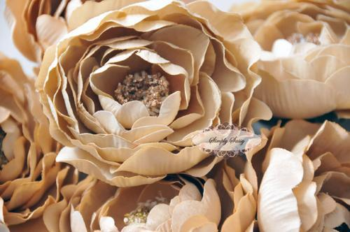 - SaSSY Steal - 2.5in Beige Ruffle Ranunculus - Limited Time Special