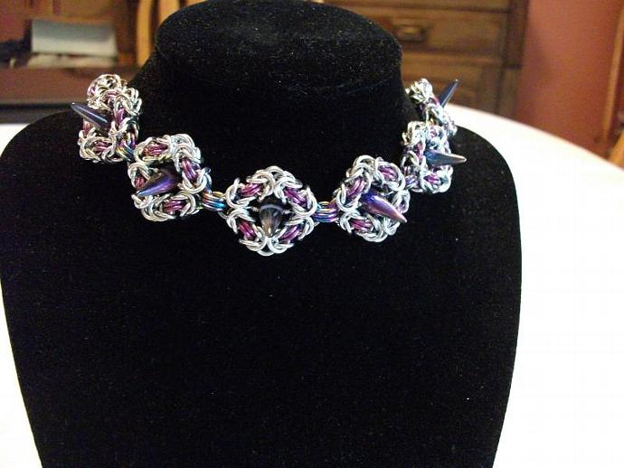 Sugar Plum Spike Choker