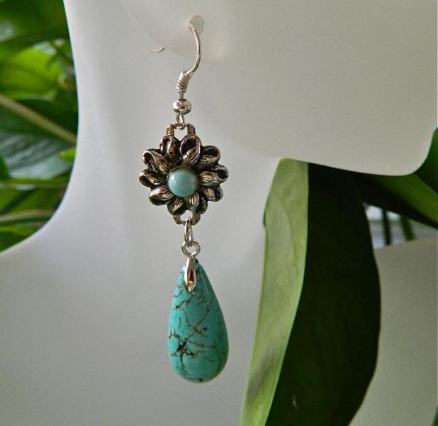 Flower  and  teardrops  turquoise  dangle  earrings