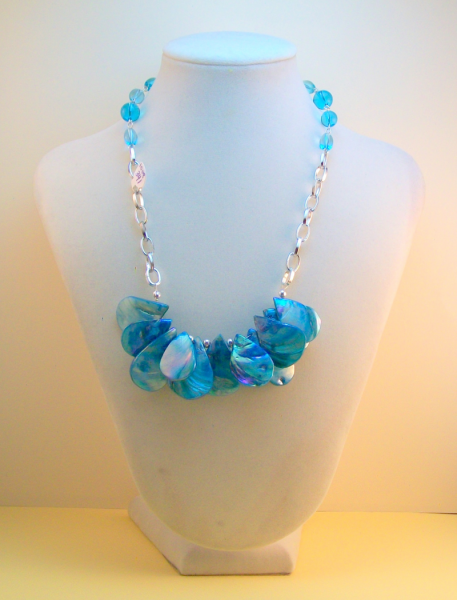 Turquoise Teardrop Shell Beads Necklace