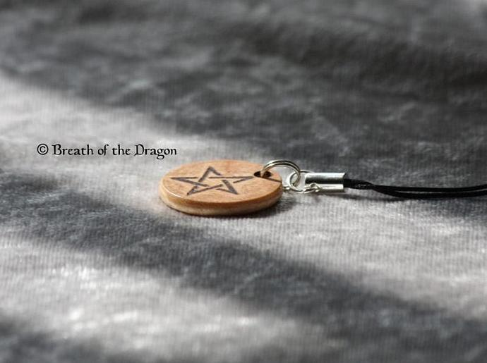 Small wooden charm ~ Star