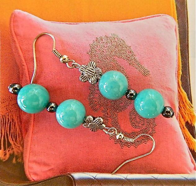 Amazonite    and    daisies  dangle  earrings